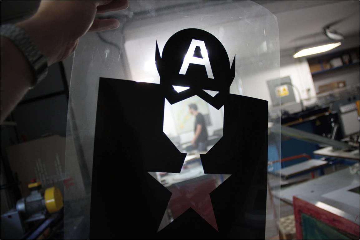 Fotolito Capitán America de la obra Re-Visión de Forma & Co realizado por Art Plus serigrafía para 180hilos